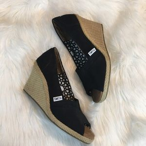 Toms Black and canvas Wedges
